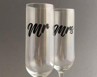 Mr. Mrs. Wedding Toasting Flutes, Wedding Champagne Glasses , Custom Personalized Champagne Glass  Set of 2,