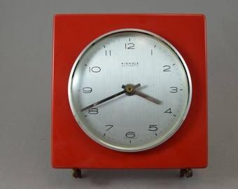 Old German Kienzle wall clock kitchen Germany, Quarz, mid century, red