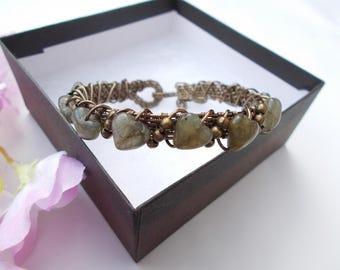 Labradorite bracelet , wire wrapped bracelet , wire wrapped jewelry , wire jewelry , wire bracelet , gemstone jewelry , heart jewelry