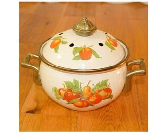 """Enamelware Small Enamel Potpourri pot Cookware brass handles 2 piece fruit pear apples peaches 5"""" holds approximately 3 cups"""