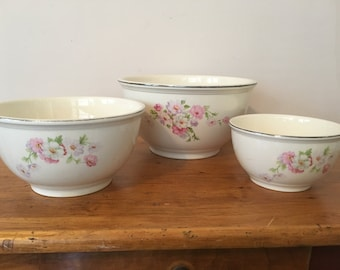 REDUCED! Homer Laughlin Virginia Rose Nesting Mixing Bowls, Rare Set of 3. Now 25% off original price of 120USD. Selling for 90USD.