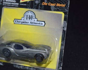 Maisto Motor Works / silver / Chrysler Atlantic / Limited Edition 140 / Die Cast Metal / car / original packaging /Maisto / collectible car