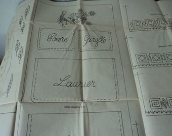 REDUCED - French vintage 1977 Modes & Travaux paper sewing and embroidery patterns (04743)