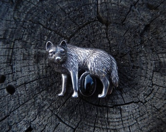 Sterling silver lobo wolf pin dimensional rare huge onyx and silver southwest design, USA made, wolf totem jewelry.