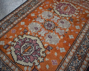FREE SHIPPING Vintage Oriental Hand Knotted Rug