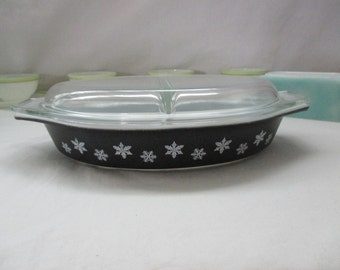 Vintage, Pyrex, Charcoal, Matte Black, Snowflake Divided Dish with Divided Lid, 1 1/2 Quart. 1956 to 1960