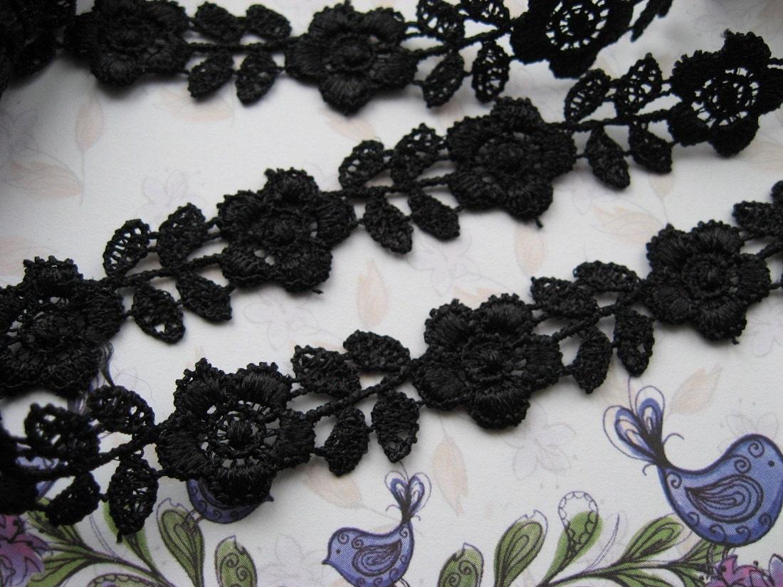 Au metre dentelle guipure venise en motif roses couleur noir for Guipure noire au metre