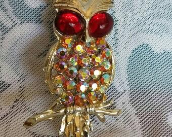 Gorgeous Vintage 1970's Owl Brooch. Sparkling rhinestones.