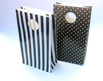 Paper Party Bags. Black white stripes or spots. Monochrome Gift bags, favor bags. Loot bag. For birthday parties, baby showers. Party decor.
