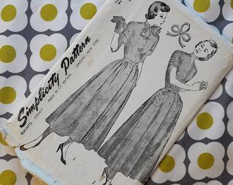 Simplicity Vintage Pattern - Vintage Dress