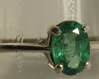 Natural emerald 0.79 ct & sterling silver 925 ring size 8