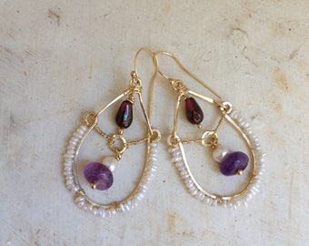 Goldfilled 14k, garnet, pearl, amethyst and micropearls. 4,5 cm