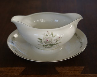 Diamond China Romance Gravy boat with attached underplate