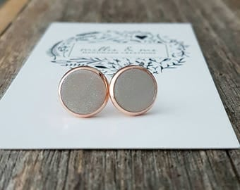 Rose gold and pearl clay stud earrings/ rose gold/ pearls/ pearl earrings/ earrings/ gift for her