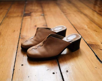 Light Brown/Camel Leather Mules