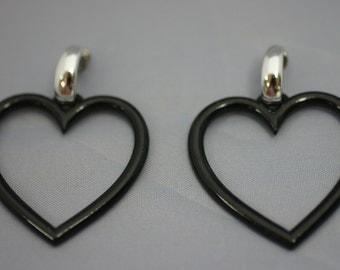 Black Heart Open Pierced Earrings