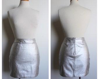 MARK EISEN - Vintage Silver Metallic Mini Skirt with Back Zipper