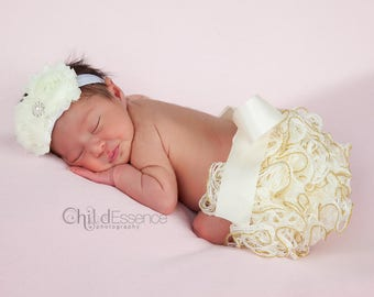 Newborn Girl Coming Home Outfit - Baby Dress For Wedding - Baby Girl Clothes - Baby Girl - Baby Shower Gift - Newborn Girl Outfit - Bloomers