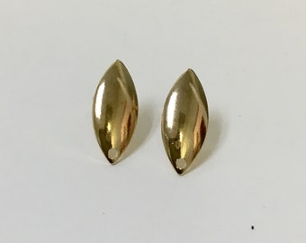 Oval  earring post. 18/20 Goldfilled earring.