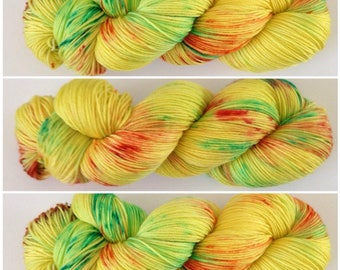 Sunshine.Hand Dyed Yarn. Hand painted Speckled Yarn Super Soft Luxury 100% Merino wool. 100g 400m (437yd). 4 ply. fingering weight.