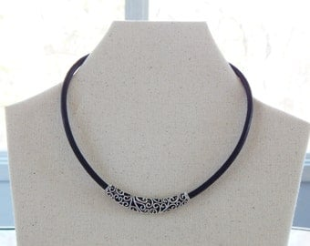 Silver Lace Focal Black Leather Choker (N46)