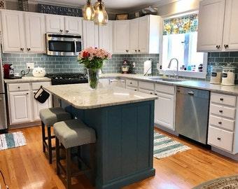 Kitchen Island with Pullout Shelves
