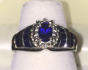 Vintage Sapphire ring in 10K white gold. Circa 1960's.