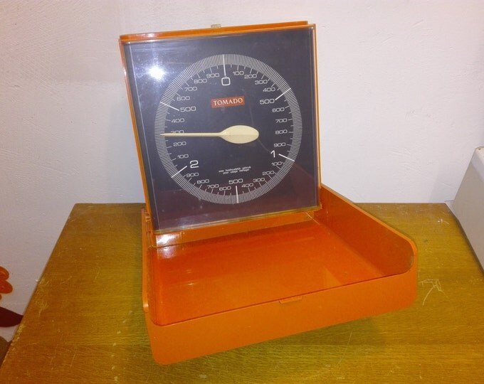 Tomado kitchen Wall scale
