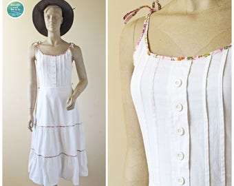 Mexican Style White Summer Dress, 80s Boho Cotton Sun Dress, Ruffle Skirt Floral Strap Dress, Vintage Summer Dress, Size XS