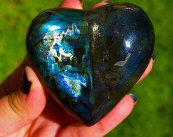 Madagascar Purple Labradorite Heart, Large Flashy Labradorite, Carving Heart Worry Stone, Mineral Specimens, Reiki Chakra, Crystal Quartz
