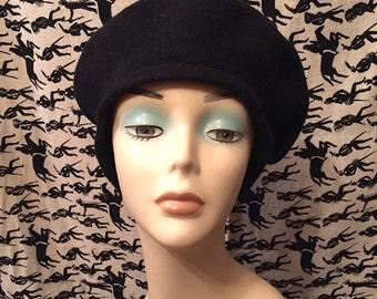 Vintage 1980s Black Wool Beret Classic Tam Wool Hat Winter Hat Retro Mod Boho Beret
