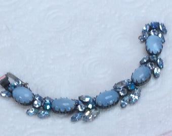 Georgeous Regency bracelet - light sapphire stones and light blue cabs