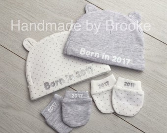 Personalised Baby hat and mitten set