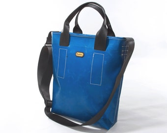 Tote bag with shoulder strap in recycled truck tarp