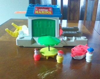 Vintage Fisher Price Little People Play Family Floating Marina  with Boat #2582 1988