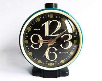 """Vintage russian alarm clock """"Yantar"""". Soviet Alarm clock. Vintage alarm clock. Working Vintage clock. USSR alarm. Alarm clock. soviet clock"""