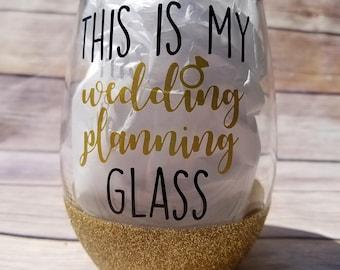 Wedding Planning glass / wedding wine glass / glitter wedding / glitter wine glass / glitter dipped wine glass