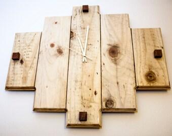 Wild Pallet Clock