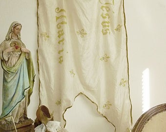 Simply divine, antique french religious textile, processions banner, large church banner, pure silk....CHARMANT!