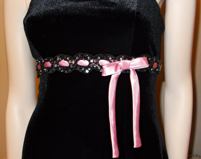 Vintage 90s Betsy and Adam by Linda Bernell Black Velvet Pink Ribbon Sequin Womens Spaghetti Strap Dance Party Prom Mini Dress