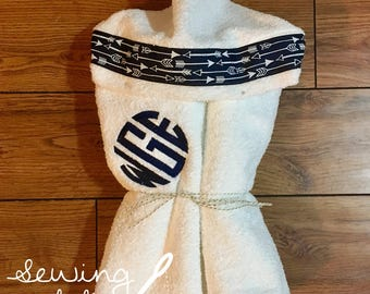 Monogrammed Hooded Towel with Arrows
