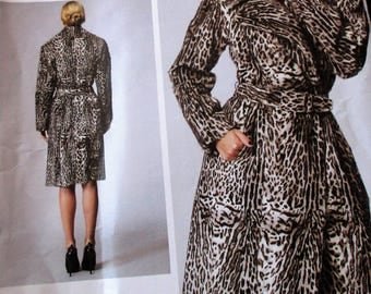 Vogue Pattern, V1365,  misses lined coat, double breasted coat, side front pocket coat, matching contour belt, sz: 6, 8, 10, 12, 14