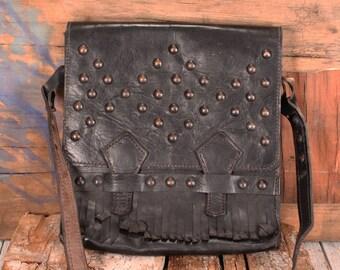 Vintage leather messenger bag, cross body bag vintage 70s, vintage black shoulder bag, hand bag, Vintage black leather bag