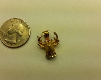 Vintage 14k yellow gold 10 point buck pendant baer