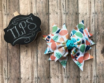 Colorful feathers spike bow