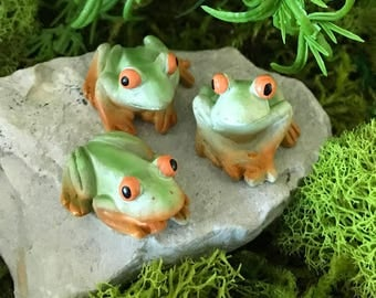 Miniature Green Frogs - Set of 3