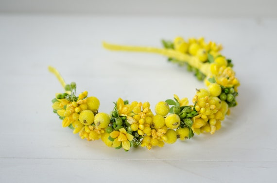 Ukrainian yellow headband / berry crown / yellow berry / flowers / yellow and green floral crown / made in Ukraine