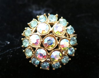 Lovely vintage 1940s goldtone brooch with aqua and AB rhinestones