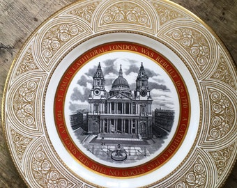 wedgwood plate, St Pauls cathedral ,1970s  church plate, london wall decor,Limited edition plate, london church ,Christopher Wren,