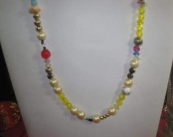 Q-78 Vintage Necklace  24 in long beads